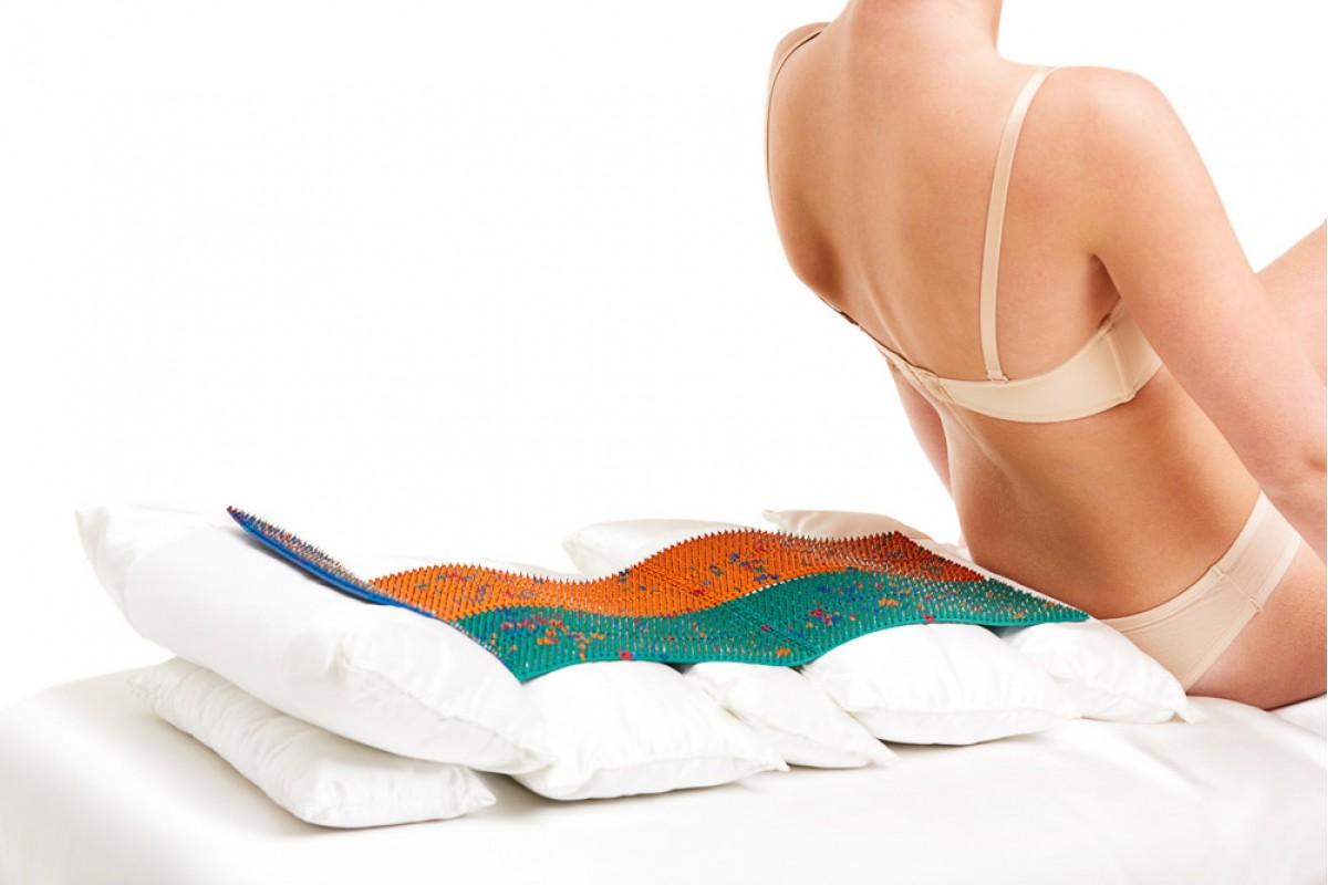 игольчатый коврик для спины